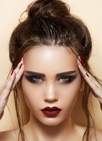 макіяж з вишневою помадой5