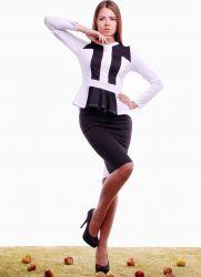 Жіночий костюм зі спідницею 2015