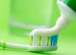 Зубна паста з фтором