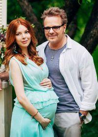 Наталія Подольська вагітна з чоловіком